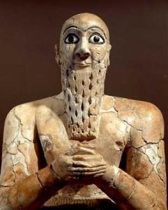 29-2-скульптура жреца