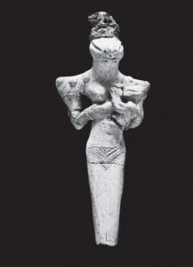 69-Глиняная статуэтка богини-матери с головой ящера-варана и ребенком на руках